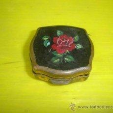 Vintage: PEQUEÑA CAJITA METAL PASTILLERO. Lote 34087465