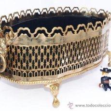 Vintage: GRAN CENTRO O CUBRE MACETAS O JARDINERA EN BRONCE IDEAL VINTAGE. Lote 34212544