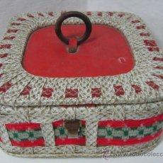 Vintage: CAJA COSTURERO VINTAGE AÑOS 50/60 RETRO ORIGINAL. Lote 35059534