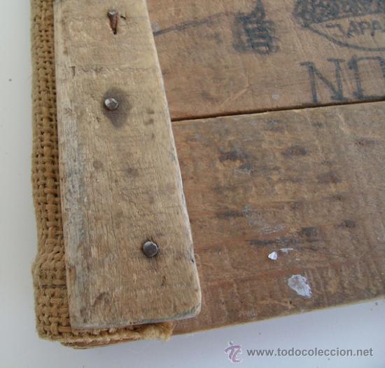 fd87257df833f Tapas Madera-Cartas Menú y Vinos Restaurante con Maderas antiguas cajas  fruta y tela saco