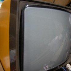 Vintage: ANTIGUA TELEVISION PHILIPS RAFFAEL LUXUS 620 - Y MUY DECORATIVA. Lote 38505952