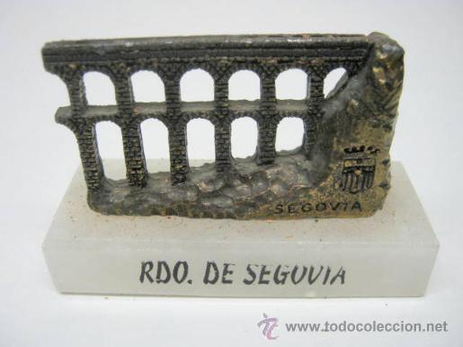 Vintage: PISAPAPELES VINTAGE AQUADUCTO DE SEGOVIA - METAL Y MARMOL - Foto 2 - 40662072