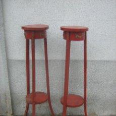 Vintage: DOS MACETEROS EN MADERA. Lote 41567248