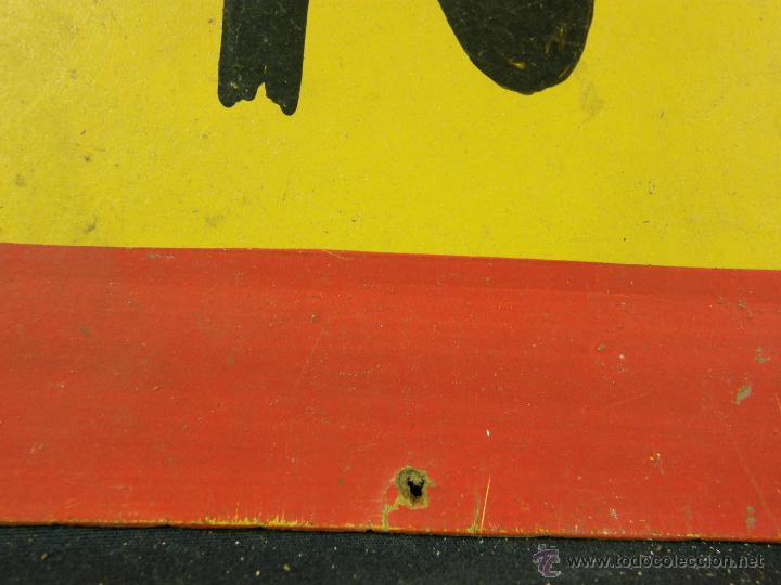 Vintage: antigua señal de autoescuela peligro curvas fondo amarillo sobre madera 1º mitad siglo XX - Foto 2 - 42475763