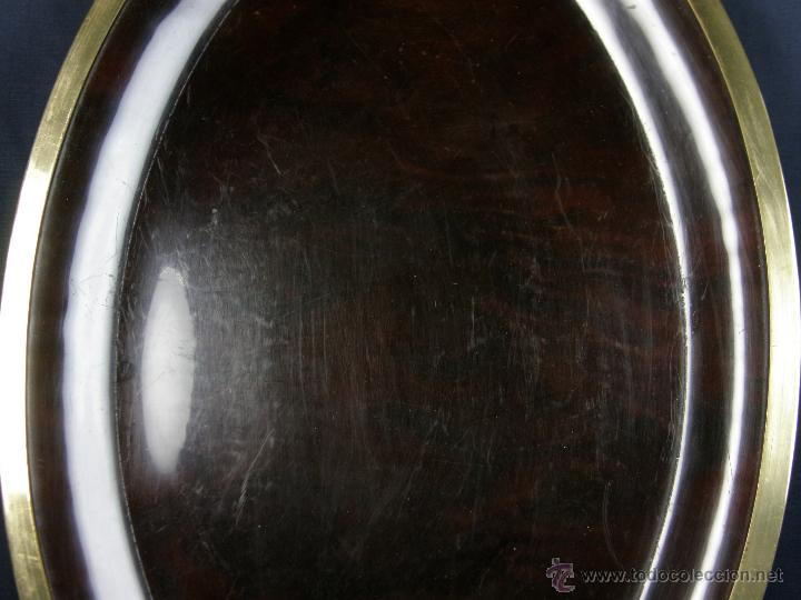 Vintage: bandeja vintage oval simil carey borde latón años 70 - 80 2,5x59x41cms - Foto 4 - 42752007