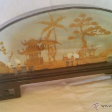 Vintage: PAISAJE ORIENTAL TALLADO EN CORCHO EN VITRINA CHINA 1ª MITAD SIGLO XX.. Lote 44038225