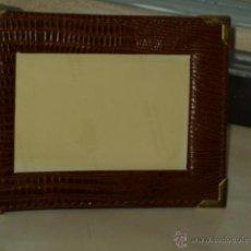 Vintage: ANTIGUO PORTARETRATOS EN PIEL DE SERPIENTE. 13 CM X 10CM.. Lote 44661799