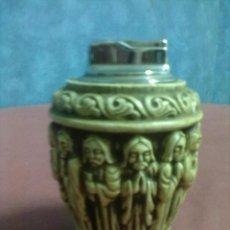 Vintage: TABLE FLAMIGAS PORTAMECHERO SOBREMESA ESCAYOLA APOSTOLES Y JESUS. Lote 45199635