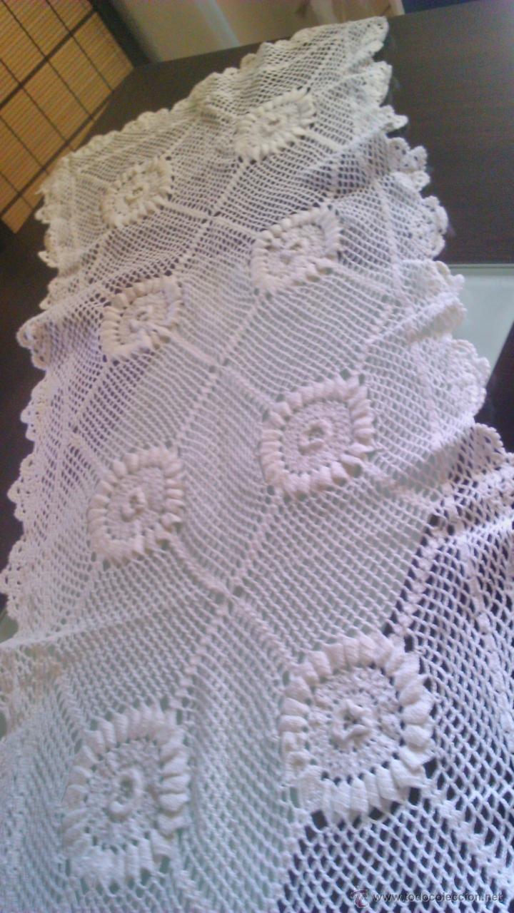 Vintage: Precioso camino de mesa de ganchillo color blanco.Nuevo sin estrenar .Tengo mas iguales en stoc - Foto 2 - 46099568