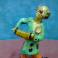 Vintage: ACORDEONISTA FIGURA ESCAYOLA PAYASO CON ACORDEON. Lote 45778680