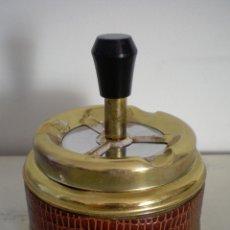 Vintage: CENICERO DE MESA CON PULSADOR VINTAGE. Lote 47512123