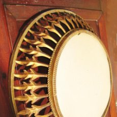 Vintage: UNICO! GRAN MARCO HIERRO METAL FORJA HOJAS TIPO SOL PARA ESPEJO O LAMPARA VINTAGE. Lote 47697622