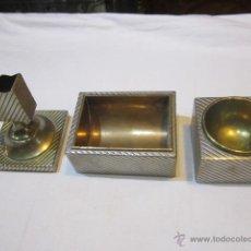 Vintage - Juego de fumador con cerillero, cenicero y recipiente para tabaco, en metal plateado y bronce. - 48348775