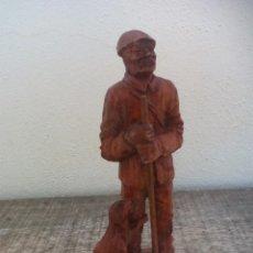 Vintage: FIGURA CREO QUE DE RESINA. ANCIANO O PASTOR CON PERRO. Lote 50444364
