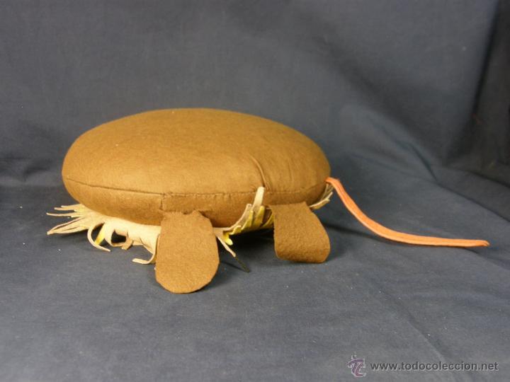 Vintage: cojín circular león años 70 lenci fieltro artesanal recortado cosido 29x11cms - Foto 4 - 50561962