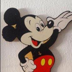 Vintage: ANTIGUO COLGADOR INFANTIL, DE MADERA PINTADA, MICKEY MOUSE; PEQUEÑOS GOLPES QUE SE PUEDEN PINTAR. Lote 50978478
