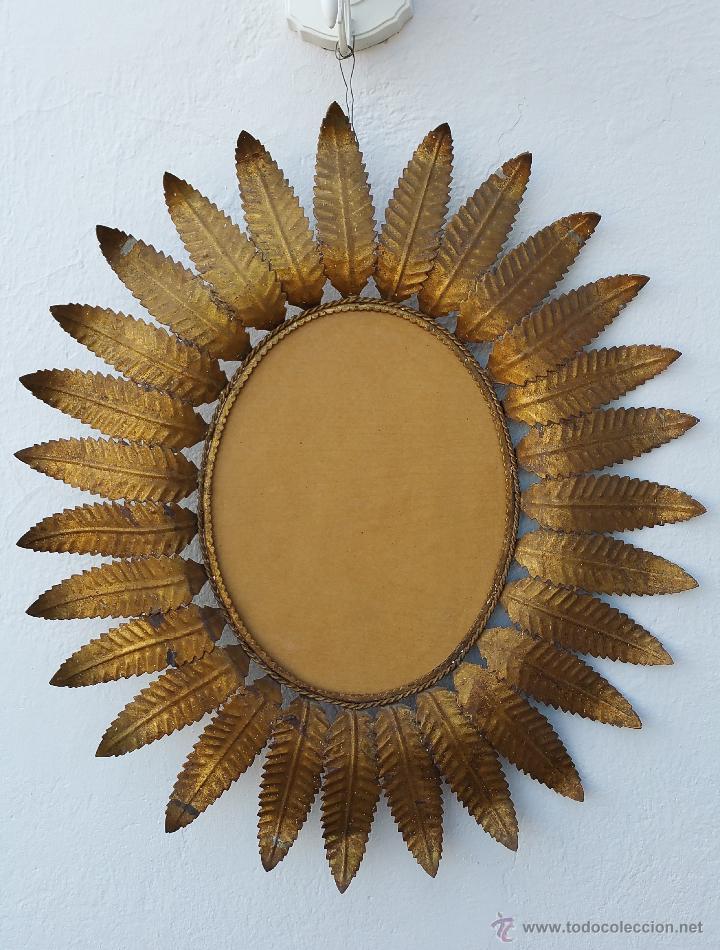 Antiguo espejo de sol ovalado de metal dorado comprar for Espejo ovalado dorado