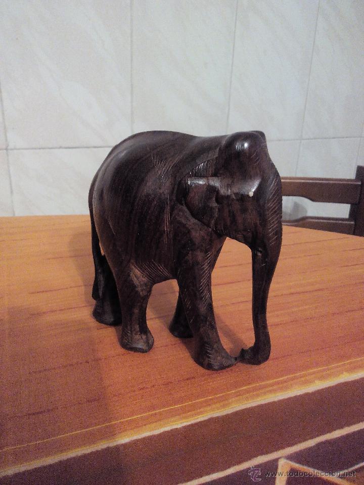Vintage: Preciosa escultura de un elefante africano tallado en madera noble. - Foto 2 - 51430627