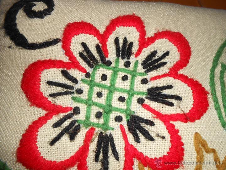 Vintage: COJÍN Bordado a mano con lanas - Foto 3 - 51462737