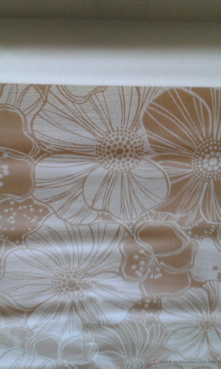 Papel pintado aos 70 top download papel pintado inconstil for Retales papel pintado