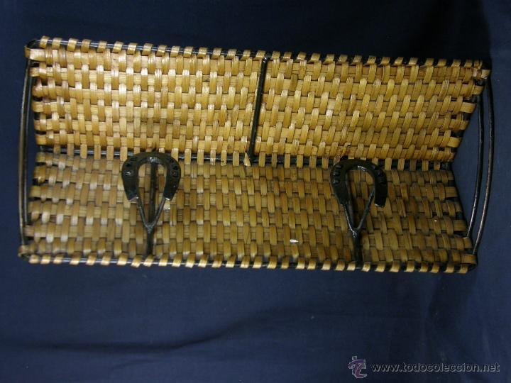 Vintage: perchero balda repisa hierro mimbre trenzado herraduras años 50 60 60x21x23cms - Foto 10 - 52674611