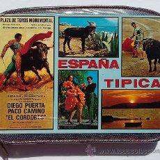 Vintage: ESTUCHE CREMALLERA, PLUMIER CON ALPINO REDONDOS, CARTEL DE LA MONUMENTAL Y MOTIVOS TAURINOS. AÑOS 70. Lote 52946829
