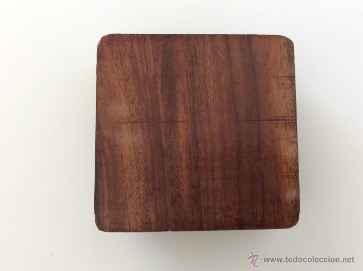 Vintage: Caja contenedor joyero antiguo de origen marroquí tallado a mano sobre madera. - Foto 4 - 53042649