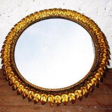 Vintage: GRAN ESPEJO CIRCULAR FORJA DORADA HOJAS TIPO SOL PAN ORO ORIGINAL RETRO VINTAGE VIP. Lote 53183029
