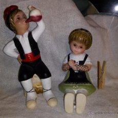Vintage: PRECIOSAS FIGURAS DE PAYES Y PAYESA PINTADAS A MANO - OJOS DE CRISTAL - OLOT???. Lote 53228701