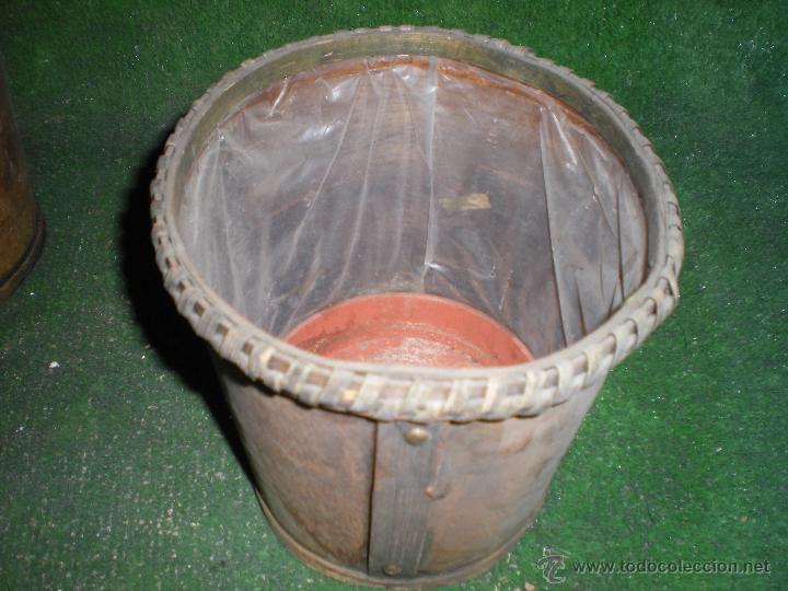 macetero en madera con forro interior de plástico segunda mano