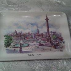 Vintage: TARJETERO EN MELAMASTER DE KENNETH AND BROMLEY DE TRAFALGAR SQUARE. LONDON.. Lote 53667617