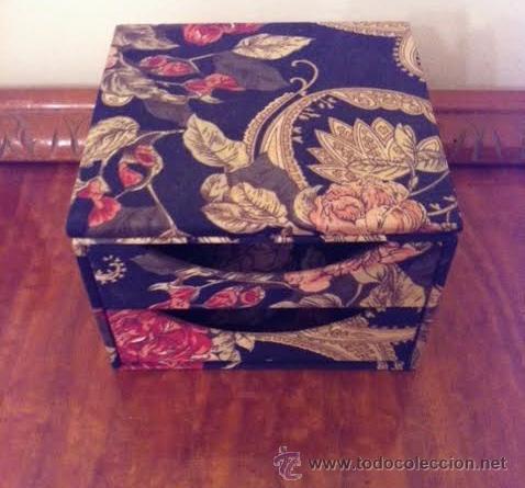 Vintage: Caja joyero forrado con tela muy vintage con espejo y cajones, - Foto 4 - 53712626