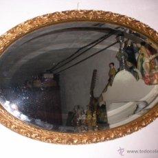 Vintage: ANTIGUO ESPEJO VISELADO CON MARCO OVALADO DORADO AÑOS 50. Lote 54082797