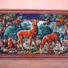 Vintage - Tapiz vintage escena de ciervos enmarcada - 55875876