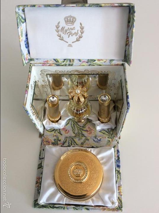 lote de belleza de la casa myrna pons con varios objetos vintage muy interesante