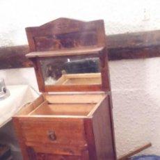 Vintage: PRECIOSA MESILLA ANTIGUA MADERA. Lote 57207051