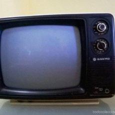 Vintage: TELEVISOR PORTÁTIL VINTAGE SANYO T12ZA-S, C. 1980. DECORACIÓN RETRO VINTAGE. Lote 93737868