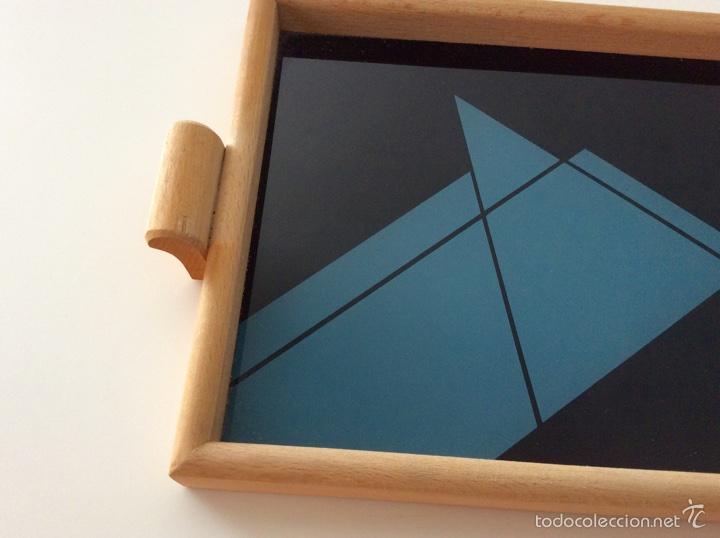 Vintage: Bandeja años 70 estilo arty en madera/cristal serigrafíado diseñada por equipo MARAGDA. - Foto 4 - 104659662