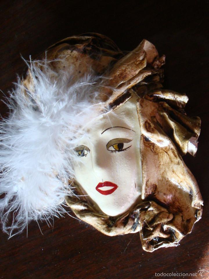 Vintage: Pequeña máscara replica veneciana plumas decoración firmada Begoña D. - Foto 2 - 59983855