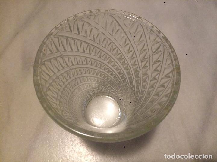 Vintage: Antiguo jarron / florero de cristal moldeado años 50 - Foto 2 - 62155140