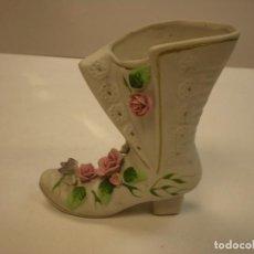 Vintage: BOTA PARA JARRÓN EN PORCELANA, PINTADA A MANO. 13X5X15CM. Lote 63580904