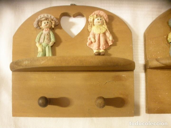 Vintage: TRES PERCHAS INFANTILES,DE MADERA CON FIGURAS DE NIÑOS. - Foto 3 - 131852741