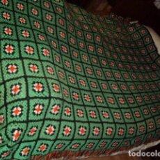 Vintage: COLCHA DE LANA HECHA A MANO,CUBRE SOFA,AÑOS 70.. Lote 66016794