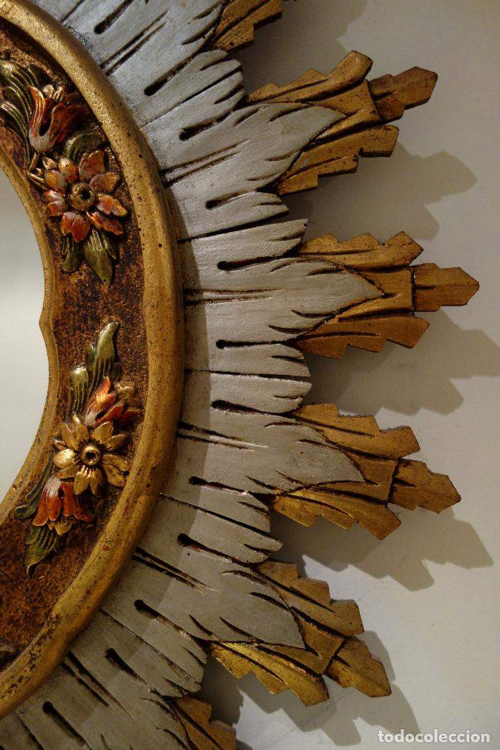 Vintage: Espejo vintage tipo sol madera policromada años 60 antiguo dorado flores hojas grande - Foto 2 - 101292050