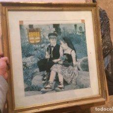 Vintage: ANTIGUO CUADRO CON DOS NIÑOS VESTIDOS DE CATALANES RECUERDO DE MANRESA, CON MARCO EN PAN DE ORO. Lote 68373201