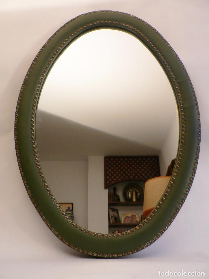 espejo ovalado con marco tapizado en skay verde - Comprar en ...