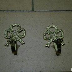 Vintage: PERCHAS DE BRONCE. Lote 76414466