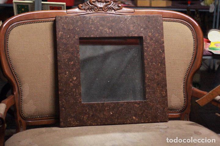 PRECIOSO ESPEJO VINTAGE 60X60CM, CON GRAN MARCO. EN BUEN ESTADO. (Vintage - Decoración - Varios)