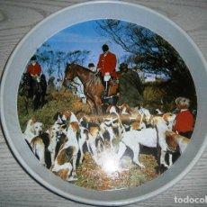 Vintage: ANTIGUA BANDEJA METÁLICA DE CAZA. CAZADORES .. Lote 80015077