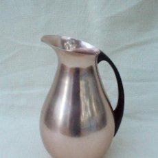 Vintage: JARRA DE ALUMINIO MMM COLOR DORADO ROJIZO. Lote 80146833